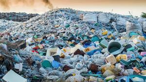 Müll‑Problem eskaliert: Waste Management und Casella Waste auf Rekordjagd