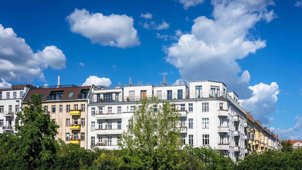 Adler Group: Heuschrecke will Wohnungen kaufen