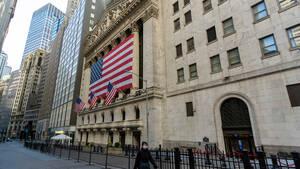 Schlussglocke: US‑Börsen machen Boden gut – IBM, Procter & Gamble, Travelers, Texas Instruments, Netflix im Blick