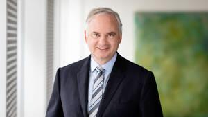 E.on: Aktie mit neuem Hoch – CEO Teyssen mit scharfer Kritik