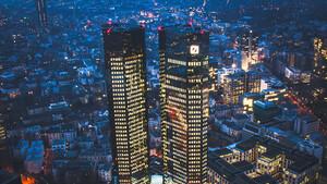 Deutsche Bank: Corona bremst den Stellenabbau