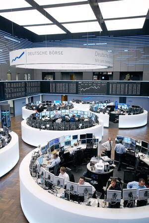 Index‑Karussell: Siemens Healthineers in TecDAX – was passiert mit Delivery Hero und Co?