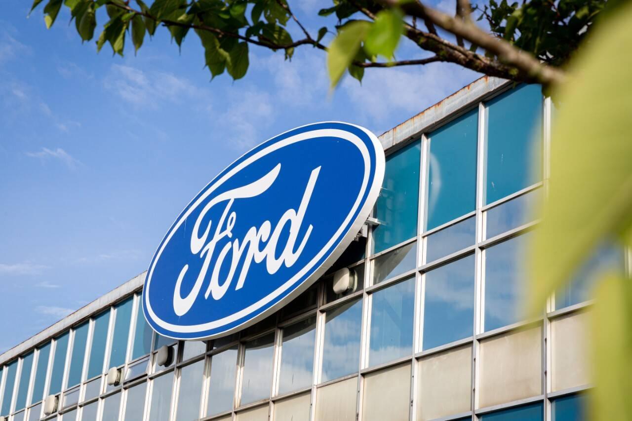 Ford trotzt Chipkrise: Aktie gibt Gas – können auch Daimler, Volkswagen & Co profitieren?
