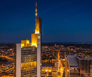 Commerzbank vor Zahlen: Aktie vor starkem Ausbruch  / Foto: Shutterstock