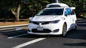 Alphabet: Waymo‑Chef ledert gegen Tesla –