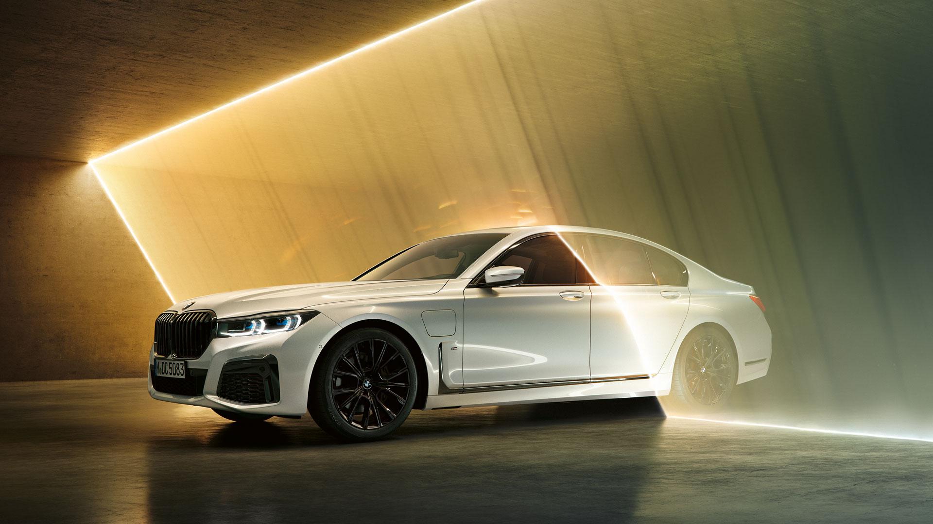 BMW, Daimler, VW, Tesla: Neuwagenkauf bald nur noch online?