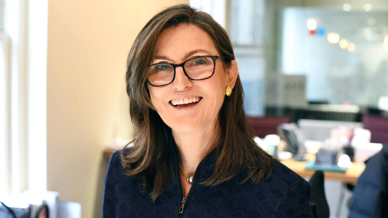 Cathie Wood kauft den Dip – und schlägt bei diesen Aktien zu