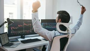 Anleger aufgepasst: Der nächste DAX‑Konzern hebt die Prognose an