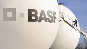 BASF: Das Geld liegt auf der Straße