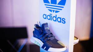 Schwach, schwächer, Adidas: Aber kommt jetzt endlich die Wende?  / Foto: Shutterstock
