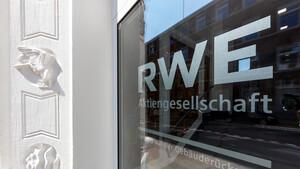 RWE mit Prognose‑Erhöhung – Aktie nimmt wieder Fahrt auf