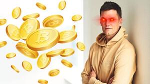 Football‑Star Tom Brady tauscht Bitcoin gegen Ball  / Foto twitter, Shutterstock