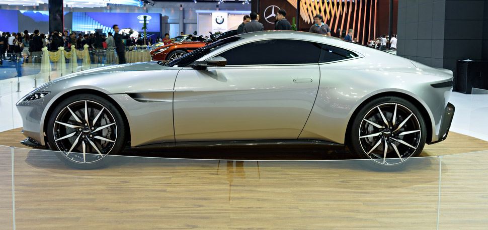 Anteil Aufgestockt Aston Martin Wird Ein Bisschen Mercedes
