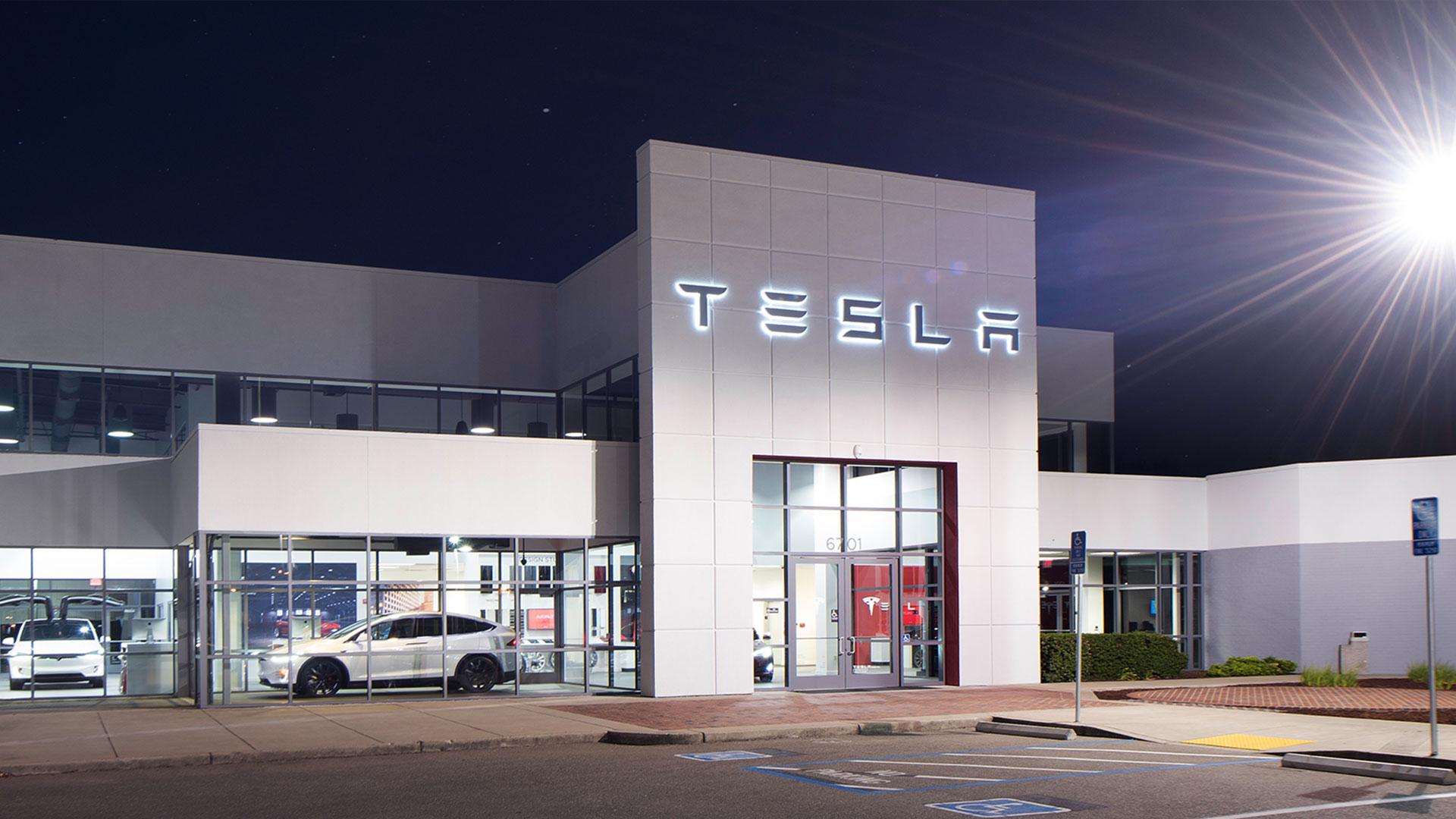 Tesla jetzt mit Raketenantrieb